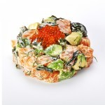 <p>SAUMON,AVOCAT,ALGUE,ANETH,MAYONNAISE JAPONAISE